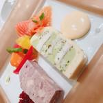 112219930 - 前菜:ホタテと穴子テリーヌ、鴨とフォアグラテリーヌ
