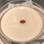 頂上麺 筑紫樓 ふかひれ麺専門店  - アンニン豆腐