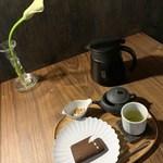 雨音茶寮 - セットB(緑茶と自家製スイーツ)