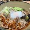 名代 箱根そば - 料理写真:冷し肉そば温玉のせ