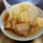 らぁめん伊山 - 大麺平打ち(ニンニク入り) 850円