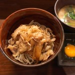 和びすとろGAKU - 看板メニュー 肉蕎麦!!