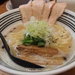 極麺 青二犀 - 「鶏しおらーめん」