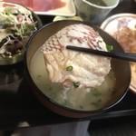 むちゃく - 味噌汁の鯛のアラには感動