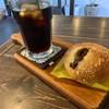 ココラート - 料理写真:焼きカレーパン、アイスコーヒー