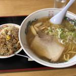 あいづ食堂 - 醤油らーめんセット 950円