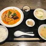 112279946 - 揚げ豆腐の辛子煮定食