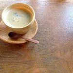 カチャカチャカフェ - 食後のコーヒー。ホッと一息。
