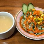 ガンジス川 - ランチのサラダ&スープ