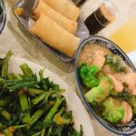 金燕楼 - 春巻  エビとブロッコリー 青菜の湯引き