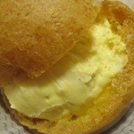 グランパニエ - 料理写真:シュークリーム¥170