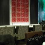カフェ アンドナンド - 壁際の席はコンセントが使えます♪