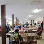 フードコート レストハウス - 懐かしい雰囲気の休憩所