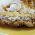 フードコート レストハウス - 豚カツは、温かくて適度な厚さ