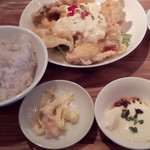 博多炉端 魚男 - ご飯、メイン、小鉢
