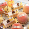 THE MARKET F - 料理写真:ショップでは、ホテルのペストリーシェフがつくるケーキを毎日11:30から揃えています。