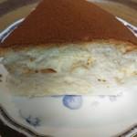 112316663 - チーズケーキをカットして頂きました、うまーい!