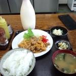 11232918 - もつピリ辛炒め定食