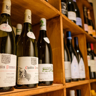 約100種類のソムリエ厳選のワインをお食事とともに