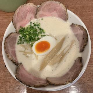 ラーメン家 みつ葉 - 料理写真:塩チャーシュー1050円