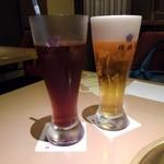 桔梗苑 - ドリンク写真:烏龍茶&生ビール