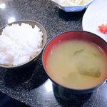 しゃぶ辰 - ご飯とお味噌汁