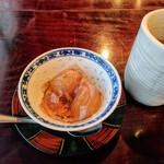 112349982 - デザート (葡萄のゼリー寄せ) ほうじ茶も入れ替えて下さいました