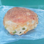 112350139 - 枝豆とゴーダチーズ194円(税込)