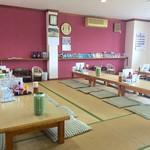 ラーメンユタカ - 昭和時代の店内
