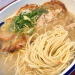 元祖糸島ラーメン 銅鑼 - スープも麺も・・・文句ナシ。