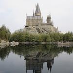 112356035 - 湖面に映るホグワーズ城が綺麗