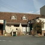 11236119 - 左側がカフェの入口、右側がケーキ屋さんの入口です