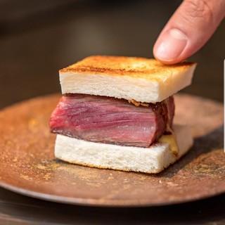 """粉者名物!とってもステーキな!""""素敵サンド"""""""