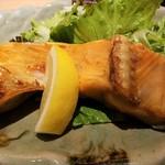 Akasakaajisai - 鮭カマ塩焼き定食