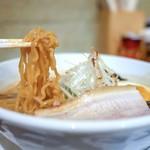 麺屋 雪風 - 縮れ麺