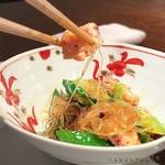 Feifontommiyazawa - 夏野菜と春雨と剣先イカのかまぼこの炒め煮込み