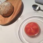 112368658 - トマトとチャバタ