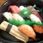 おしどり寿司 - (たしか)1000円~1200円くらいのもの
