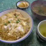 大和屋 - ランチの親子丼580円
