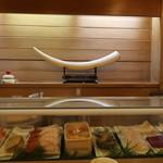 一休寿司 - 店内