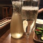 炭火バル 神田岩本町style - ドリンク写真:飲み放題 スパークリングワイン