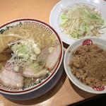 112373768 - 中華そば700円+温野菜150円 +特製肉御飯230円