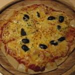 11238006 - アンチョビとオリーブとモッツァレラチーズのピッツァ