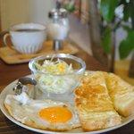 COCOYA - 料理写真:アーモンドトーストセット※平日限定モーニング