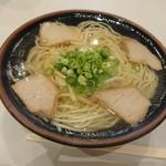 モリス - 料理写真:中華そば(630円)  すっきり!