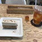 カフェカフェ - 料理写真:ケーキとアイスティー