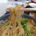 千両うどん - 2019年7月 麺持ち上げ