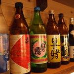 うたしゃ - 料理写真:黒糖焼酎 ボトル(5合)2,800円 グラス400円