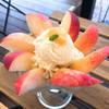 グリーンテーブルカフェ - 料理写真:季節のフルーツパフェ 白桃