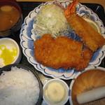 かつ楽 - 料理写真:2019年の「海老ロースかつ定食」1652円
